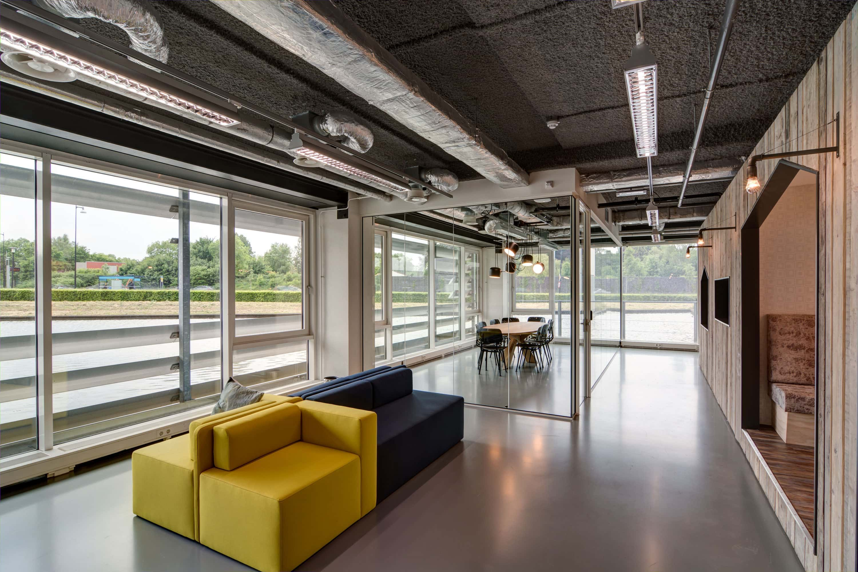 K-13 Gray on the ceiling in HNK Apledoorn Offices